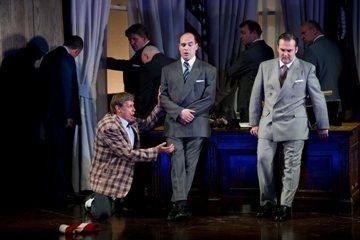 2010 Rigoletto WNO 01