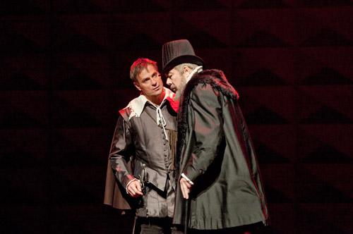 2010 Don Carlo New York credit Ken Howard Met Opera02
